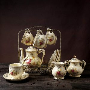 11 Piece European Royal Ivory Porcelain Tea Set,Vintage Luxury Coffee Set,Red and White Rose Printing,For Home